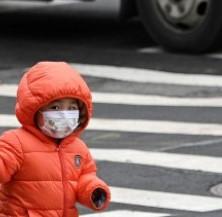 Дете на година и пет месеца с тежки усложнения от корона инфекция днес беше транспортирано в специализирана клиника в София