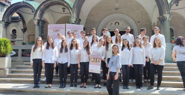 Талантлива неврокопчанка ръководи един от най-успешните училищни хорове в България