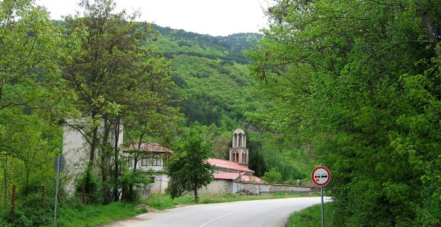 Светли петък е – празник на манастирчето край Гоце Делчев