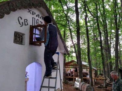 В обновен параклис ще празнуват Петровден жителите и гостите на село Тешово