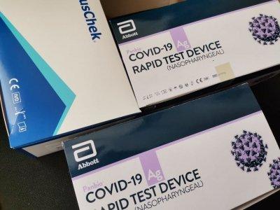 Днес и утре тестват учителите и останалия персонал с антигенни тестове за  COVID 19