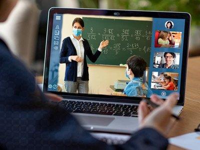 """Учениците от 9 и 10 клас на ПМГ """"Яне Сандански"""" в гр. Гоце Делчев от днес преминаха на on line обучение"""