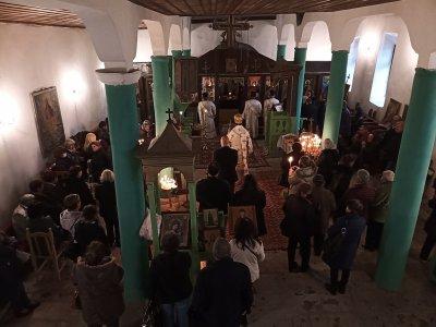 Денят на Света Петка е – празнуват черквите в селата Скребатно и Садово